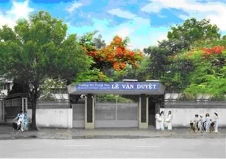 Cổng trường Nữ Trung Học Lê Văn Duyệt sau năm 1973