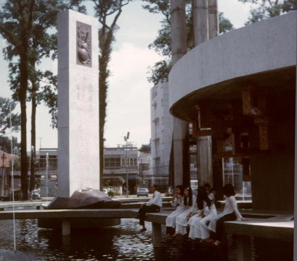 Hồ con rùa năm 1972 ( khi còn con rùa )