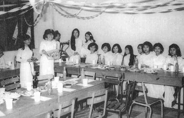 Liên hoan lớp khoá 68, trường Lê Văn Duyệt