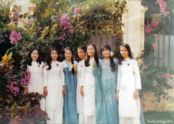 Nữ sinh Trưng Vương, văn nghệ Xuân 1974