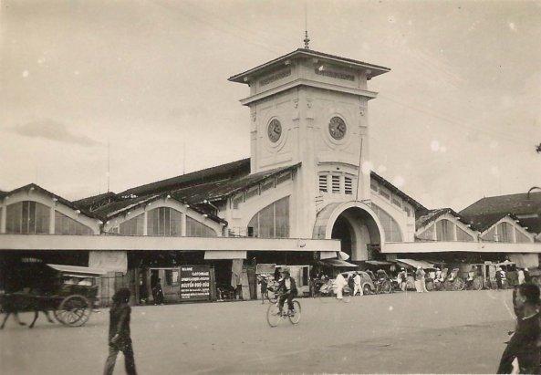 Saigon_Marche-Việt Nam vào năm 1950 của ông Urbain CALESTROUPAT