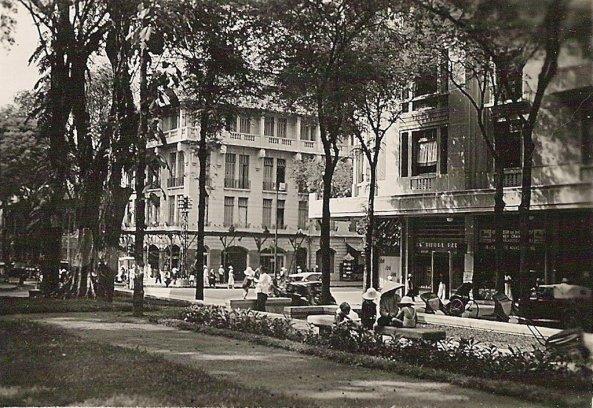 Saigon_rue Việt Nam vào năm 1950 của ông Urbain CALESTROUPAT