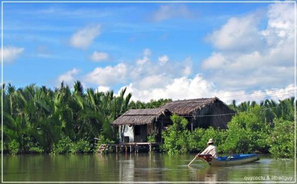 nhà bên sông miền Tây