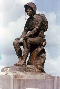 Bức tượng Thương Tiếc, Nghĩa trang Quân đội Biên Hòa.